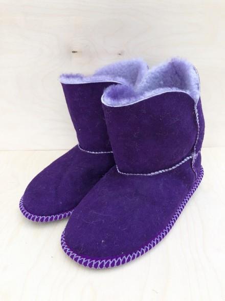 УГГИ домашние из натуральной овчины фиолетовые