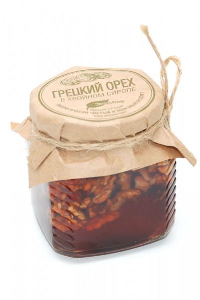 Варенье из сосновых шишек с грецким орехом